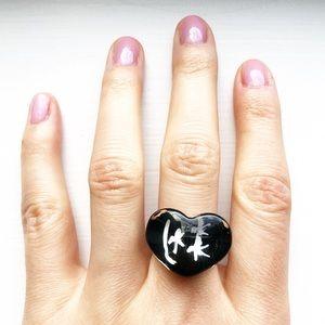 Chunky black & clear plastic heart ring
